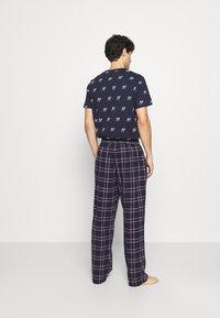 Jack & Jones - JACRIMON PANTS - Pyžamový spodní díl - navy blazer - 2