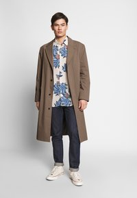 Hope - HIGH COAT - Klasický kabát - brown - 1