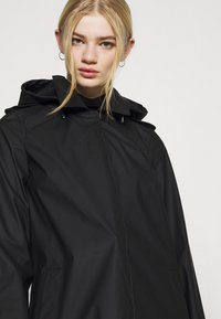 Vero Moda - VMSHADYSOFIA  - Waterproof jacket - black - 5