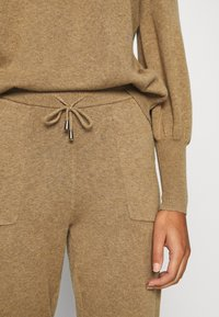 Lounge Nine - CADENCELN PANTS CASUAL - Trousers - incense melange - 6