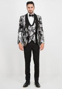 Prestije - Suit jacket - silber - 0