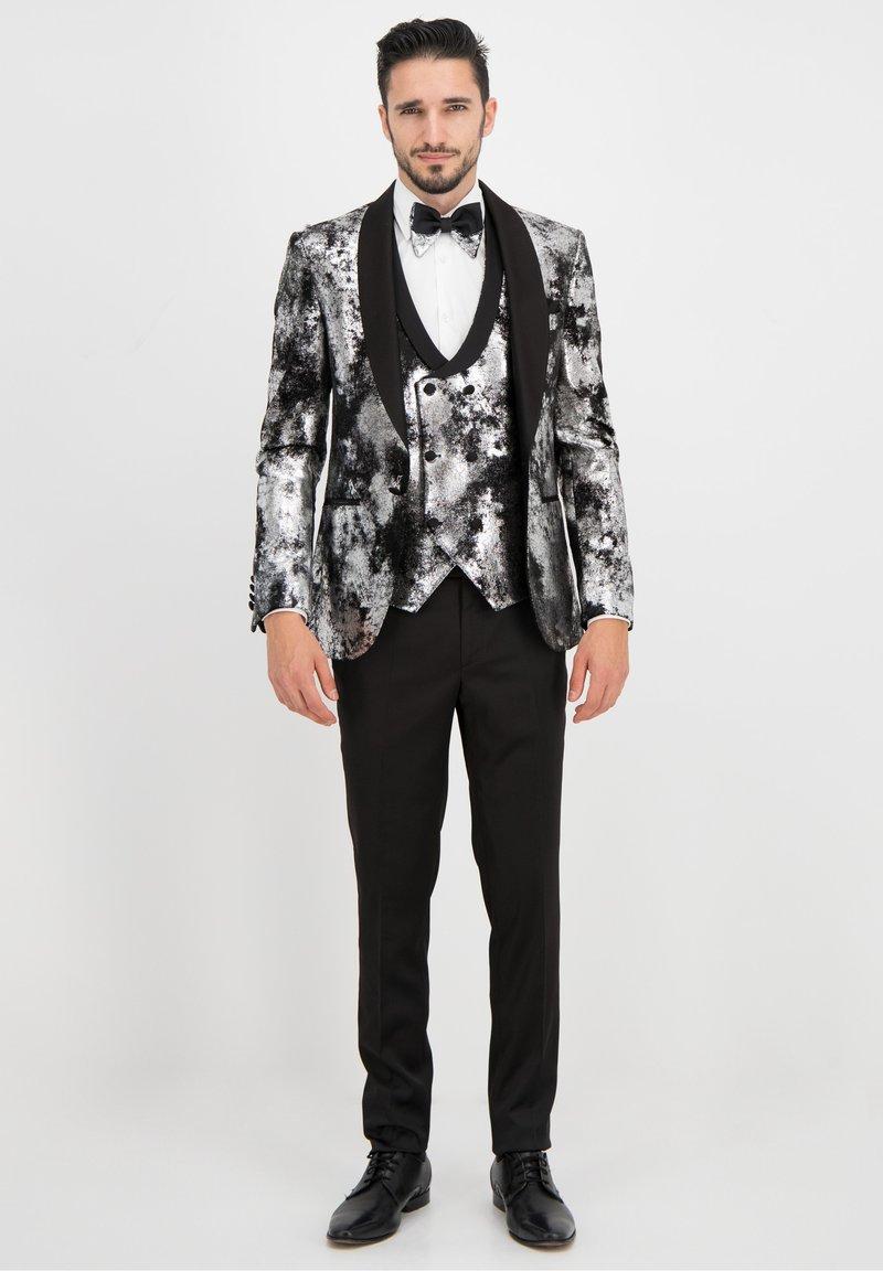 Prestije - Suit jacket - silber