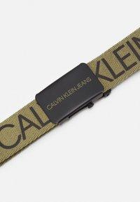 Calvin Klein Jeans - LOGO BELT UNISEX - Belt - olive/khaki - 2