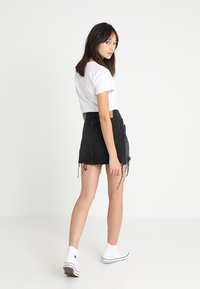Levi's® - DECONSTRUCTED SKIRT - Denim skirt - black denim - 2