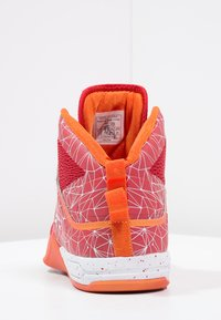 AND1 - HAVOK - Basketball shoes - red/white - 4