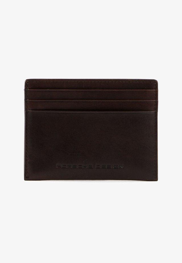 URBAN COURIER  - Business card holder - dark brown