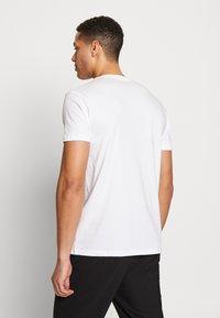 Esprit - 2 PACK - T-shirt basique - white - 2