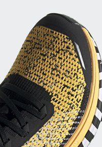 adidas Performance - TERREX TWO TRAIL RUNNING - Løbesko trail - gold - 10