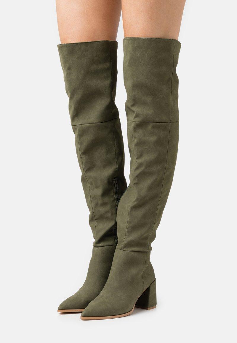 Missguided - LOW BLOCK HEEL BOOTS - Overknee laarzen - olive