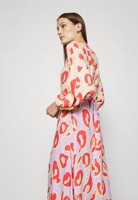 Closet - KIMONO MIDI DRESS - Maxi dress - peach - 3