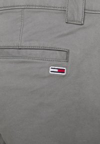Tommy Jeans - SCANTON PANT - Chinos - grey - 5