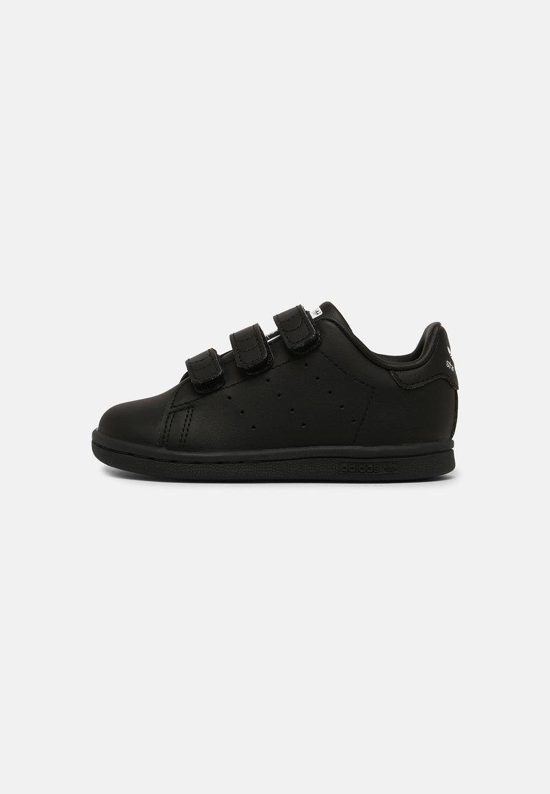 adidas Originals - STAN SMITH UNISEX - Sneaker low - core black/white