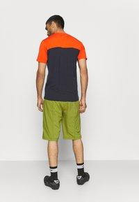 Vaude - MENS LEDRO - Outdoor shorts - avocado - 2