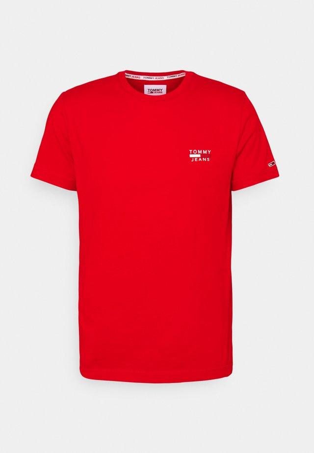 CHEST LOGO TEE - T-shirt con stampa - deep crimson