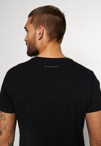 Mammut - CLASSIC  - T-shirt z nadrukiem - black - 4