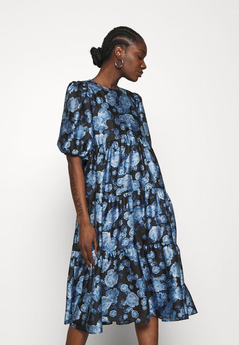 Cras - LOLACRAS DRESS - Juhlamekko - blue