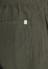 Minimum - KROGHOLM - Cargo trousers - rosin - 6