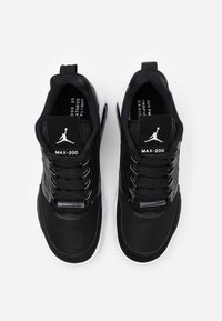 Jordan - MAX 200 - Zapatillas - black/white - 5