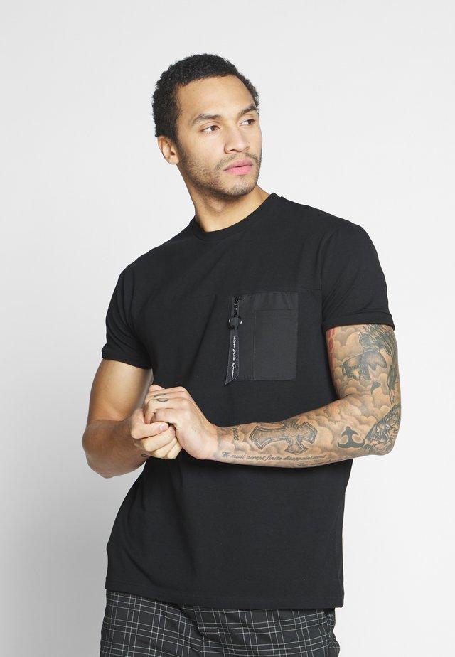 BRENT - Basic T-shirt - black