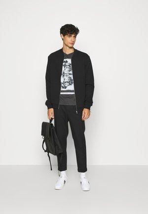 KURZARM - T-shirts print - black