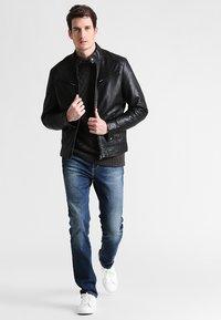 Pier One - Straight leg jeans - washed dark blue - 1