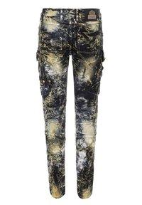 Cipo & Baxx - COOLER WASCHUNG UND ZIERNÄHTEN - Straight leg jeans - khaki - 9