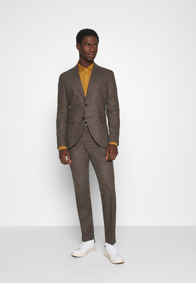 SLHSLIM MYLOIVER SUIT  - Completo - camel
