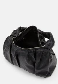 Abro - BEUTEL CALYPSO - Käsilaukku - black/nickel - 2