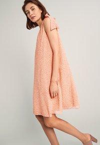 comma - Day dress - make up leaf minimal - 4