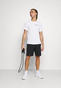 Champion - CREWNECK - Print T-shirt - white - 1