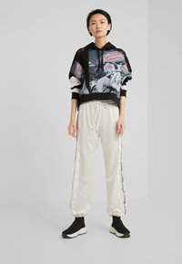 Pinko - WEMBLEY PANTS  - Tracksuit bottoms - white - 1