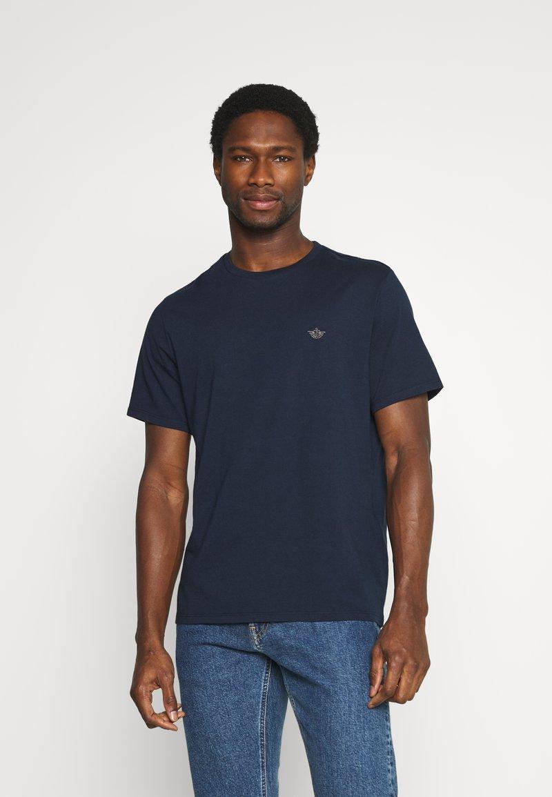 DOCKERS - PACIFIC CREW TEE - T-shirt - bas - pembroke