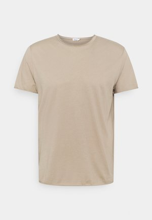 ROLL NECK TEE - Jednoduché triko - desert taupe
