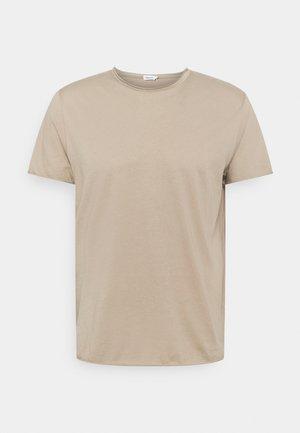 ROLL NECK TEE - Basic T-shirt - desert taupe