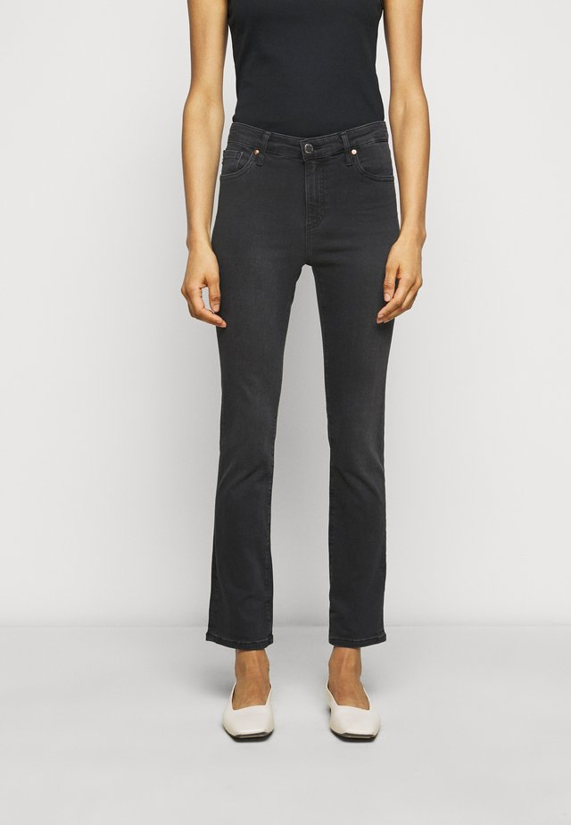 THE MARI SLIM STRAIGHT - Jeans Slim Fit - black denim