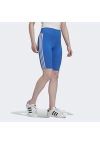 adidas Originals - ADICOLOR 3D TREFOIL SHORT TIGHTS - Shorts - blue - 3