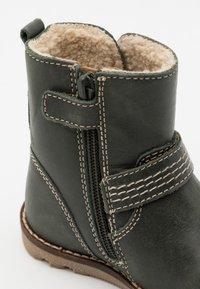Kickers - NONOBOOT UNISEX - Kotníkové boty - kaki - 5