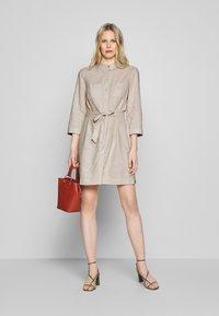 Esprit - Skjortklänning - sand - 1
