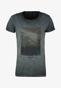 Tigha - HIGHWAY DRIFT WREN - T-shirt imprimé - vintage black - 4