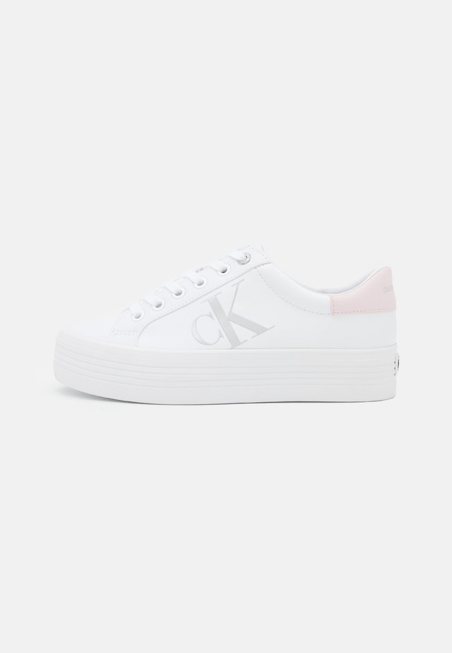 VULCANIZED FLATFORM LACEUP - Trainers - bright white