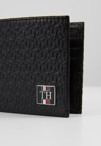 Tommy Hilfiger - MONOGRAM MINI WALLET - Wallet - black - 2