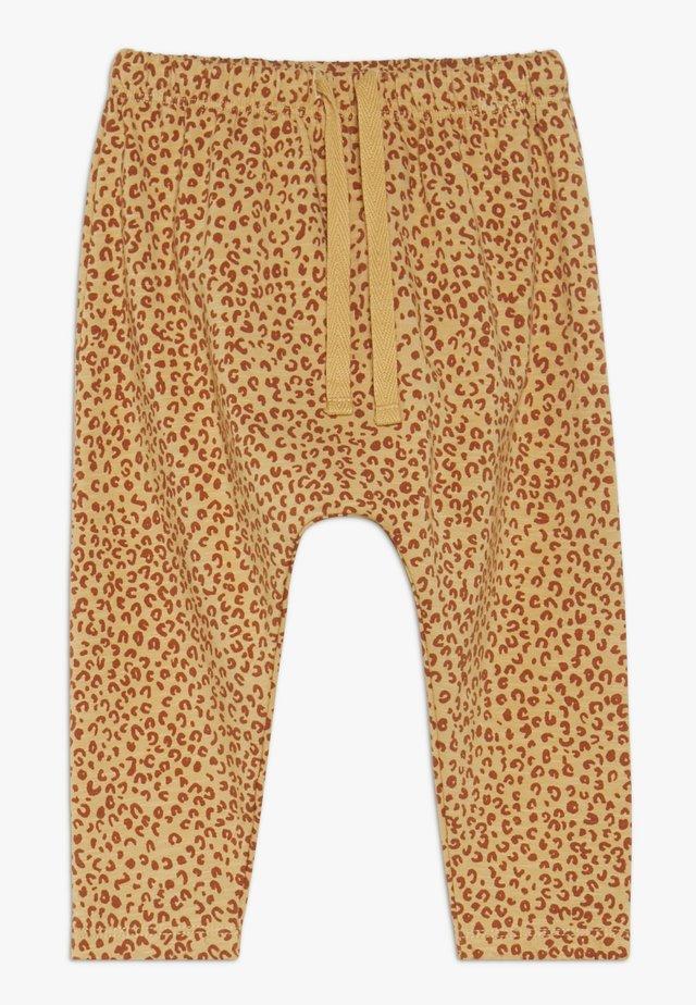 HAILEY PANTS LEO SPOT - Pantalones - taffy