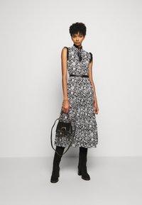 See by Chloé - Denní šaty - black/white - 1