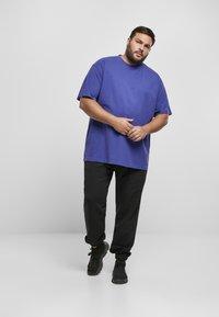 Urban Classics - T-shirt - bas - bluepurple - 1