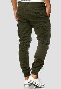 INDICODE JEANS - ALEX - Cargo trousers - dark green - 2