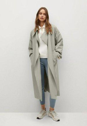 Klasyczny płaszcz - vert pastel