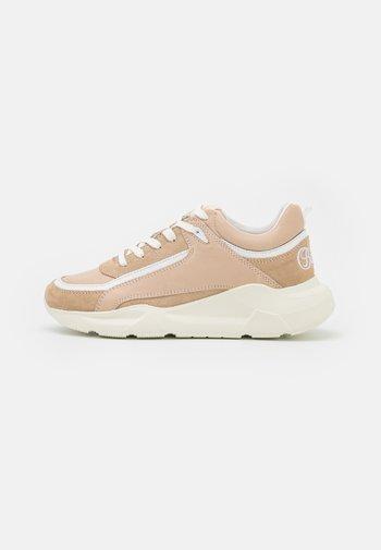 RENZO - Sneakersy niskie - beige