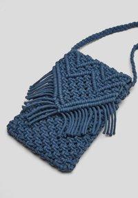 s.Oliver - IN MAKRAMEE OPTIK - Across body bag - dark blue - 6