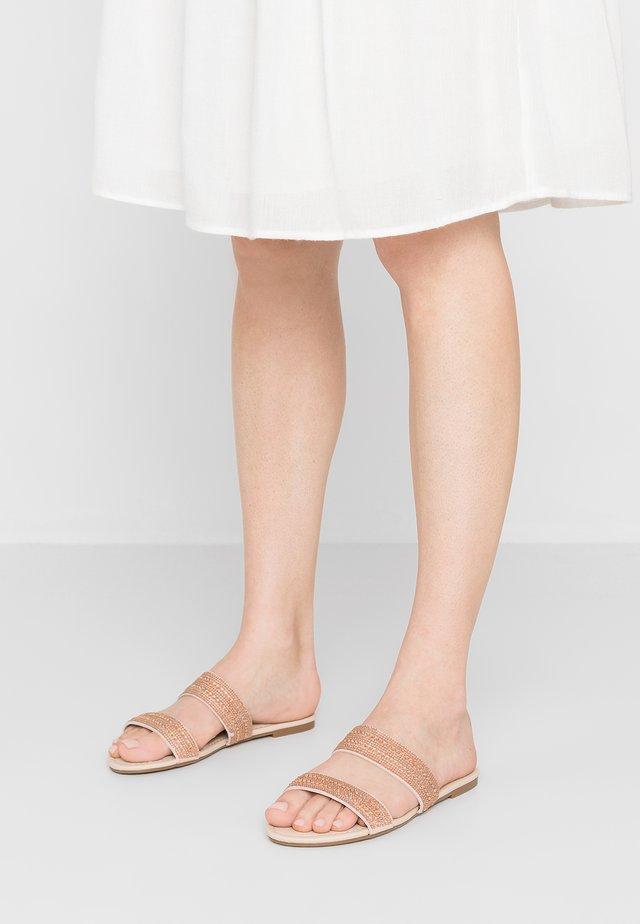 JUSTINA - Pantofle - rose