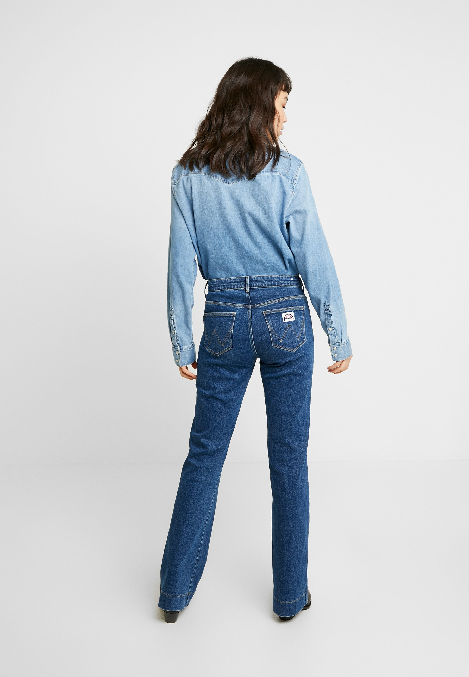 Wrangler Jean flare - retro dark - Jeans Femme sla3D